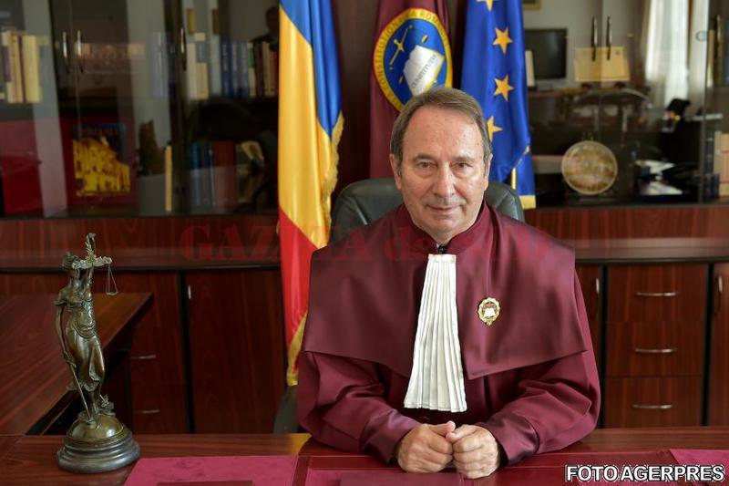 Valer Dorneanu a fost reales în funcția de președinte al CCR
