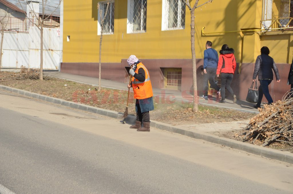 Serviciile publice oferite de Salubritate, printre care şi măturatul străzilor, au costat 29 de milioane de lei