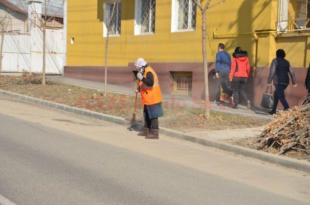 Serviciile oferite de Salubritate, printre care şi măturatul străzilor, au costat 29 de milioane de lei