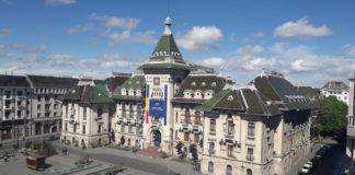 În Craiova, trecut şi prezent, Palatul Administrativ, a fost contruit după planurile arhitectului Petre Antonescu