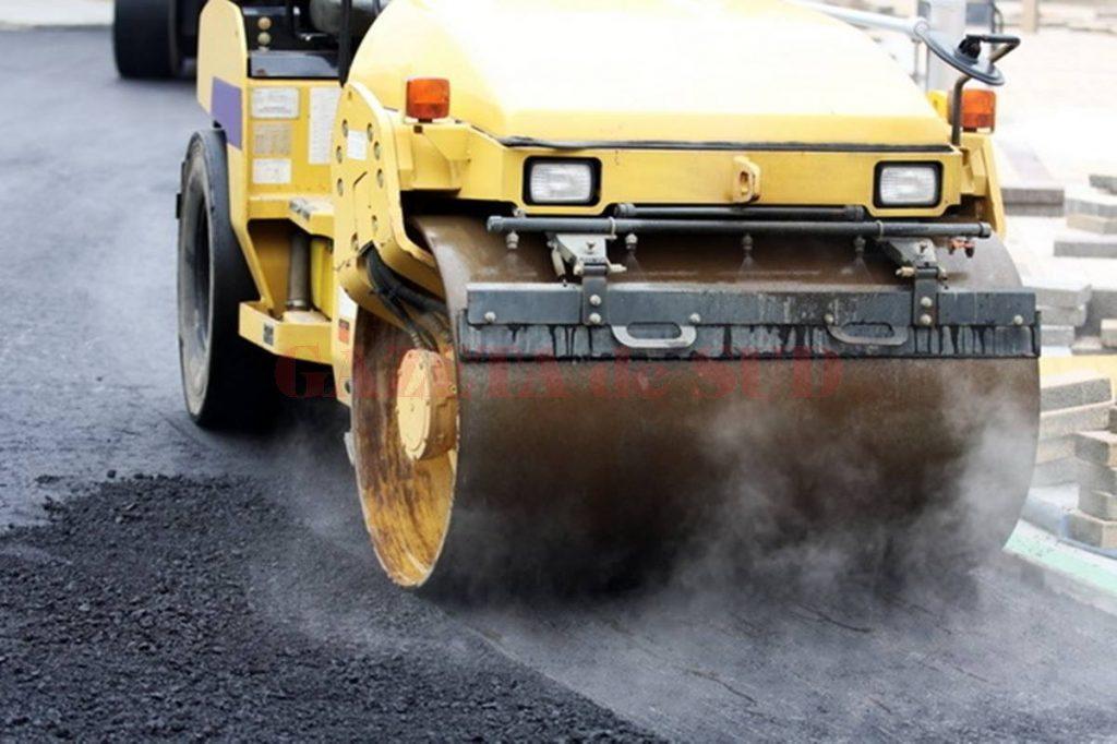 Trei străzi de pământ vor fi asfaltate