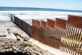 Zidul de la granita SUA cu Mexic (Foto: Libertatea.ro)