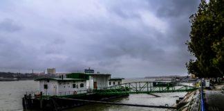 Dunărea a atins cota de inundaţii în Portul Giurgiu