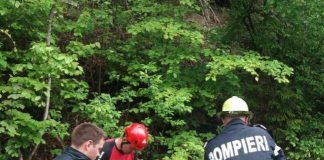 Povestea amuzantă a întâlnirii dintre salvatorii din Gorj şi un bărbat băut căzut în prăpastie