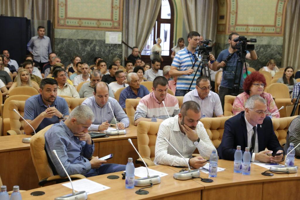 """Consilierii locali din partea PNL au cerut să-l vadă pe noul manager interimar al Spitalului """"Filantropia"""", dr. Liviu Radu"""