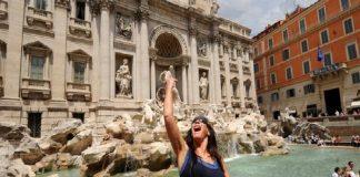 Roma impune reguli drastice pentru turiști