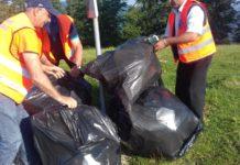 Saci plini cu deșeuri din construcții, abandonați pe Transalpina