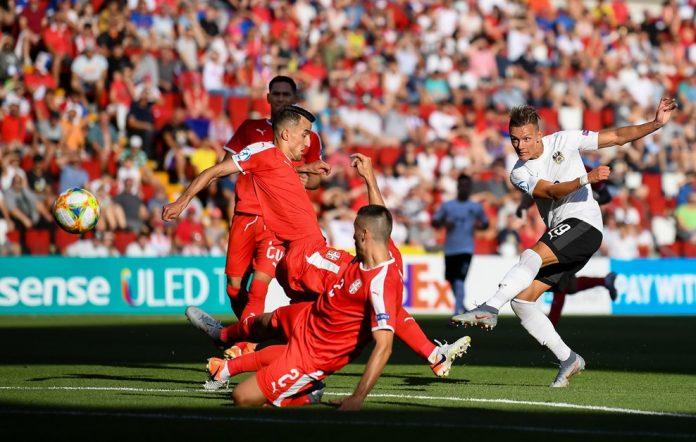 Hannes Wolf a deschis scorul în meciul cu Serbia (Foto: uefa.com)