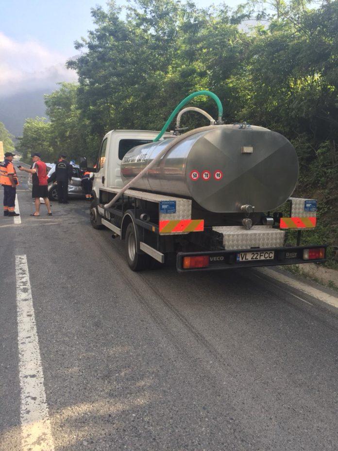 Două persoane au fost rănite în urma accidentului rutier.