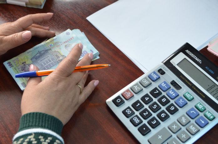 Mulţi dintre cei care lucrează astăzi se gândesc la pensie şi sunt interesaţi de banii pe care îi au strânşi la Pilonul II