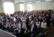 """Colegiul Naţional """"Fraţii Buzeşti"""" din Craiova are 182 de olimpici"""