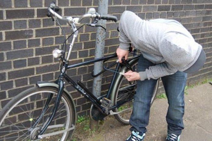 Minori, cercetaţi pentru furturi de biciclete