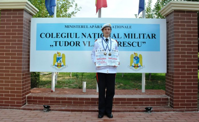 """Ioana Cezara Vlad, elevă a Colegiului Militar """"Tudor Vladimirescu"""" din Craiova, a fost admisă la Academia Militară a Forțelor Navale din Annapolis, Statele Unite ale Americii"""