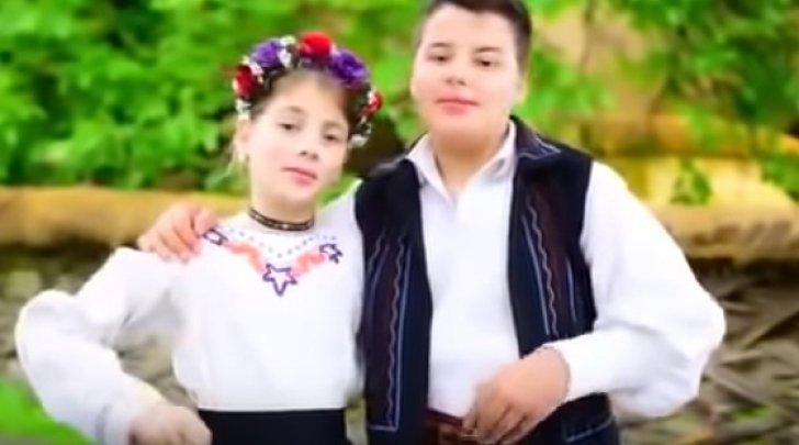 Tatăl copiilor care au cântat o melodie pro-PSD a fost amendat