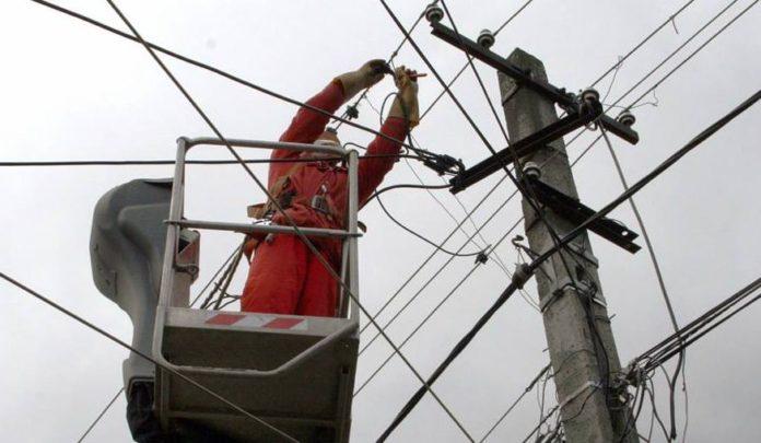 1.925 consumatori din Olt, fără curent electric