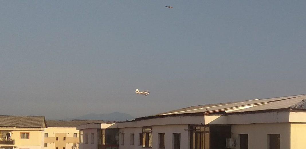 A început dezinsecția prin aviotratament, la Târgu Jiu