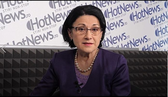 Ecaterina Andronescu: Va trebui să găsim o formulă să-i încurajăm pe cei care iau note mari