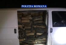Transport ilegal de lemne, depistat de poliţişti