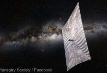 SpaceX lansează un satelit propulsat de o velă solară
