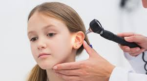 Inflamaţie a urechii, otita este o afecţiune extrem de frecventă în rândul copiilor. (Sursa foto: Mamaplus.MD)