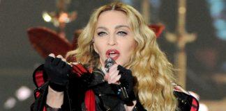 Madonna a fost victima lui Weinstein