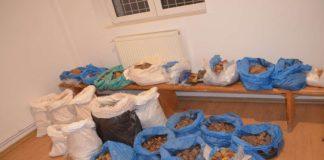100 de kilograme de pietre semipreţioase, descoperite la graniţă
