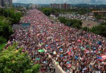 Sute de mii de persoane au protestat în Puerto Rico