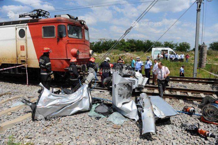 Tanar omorat de tren