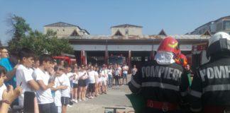 Peste 100 de copii în vizită la Detaşamentul de pompieri Drobeta Turnu Severin