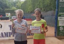 Alexia Maria Pătru (stânga), noua speranţă a tenisului de câmp craiovean