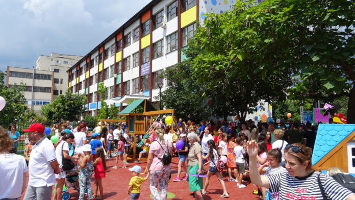 Un nou spaţiu dedicat copiilor din cartierul Ostroveni