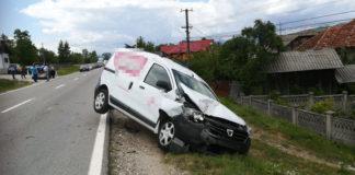 Accident cu patru maşini implicate, în Tomşani