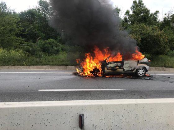 Un autoturism s-a făcut scrum, pe DN 65
