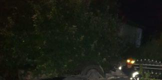 Un tânăr s-a răsturnat cu mașina la Plopșoru