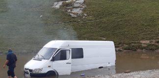 Gorj: Turiști blocați în zona Transalpina, pe un drum forestier