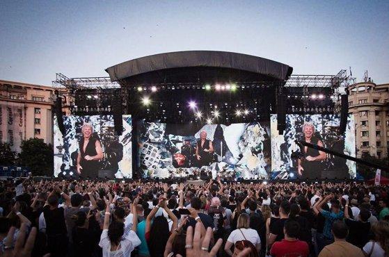 Cum a căzut zidul Parlamentului la concertul trupei Bon Jovi