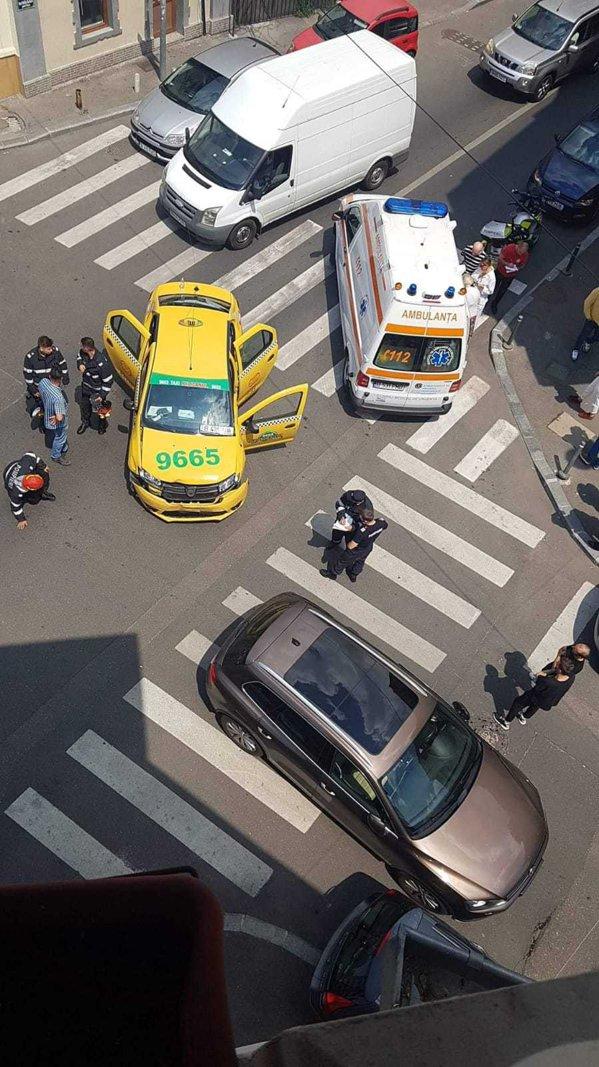 Cântăreaţa Alexandra Stan implicată într-un accident rutier