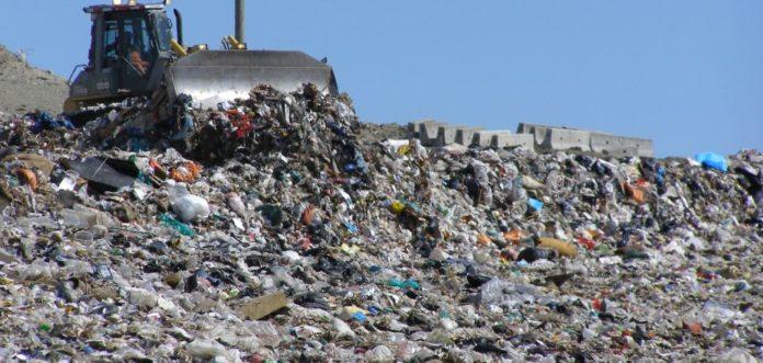 Bani pentru închiderea gropilor de gunoi