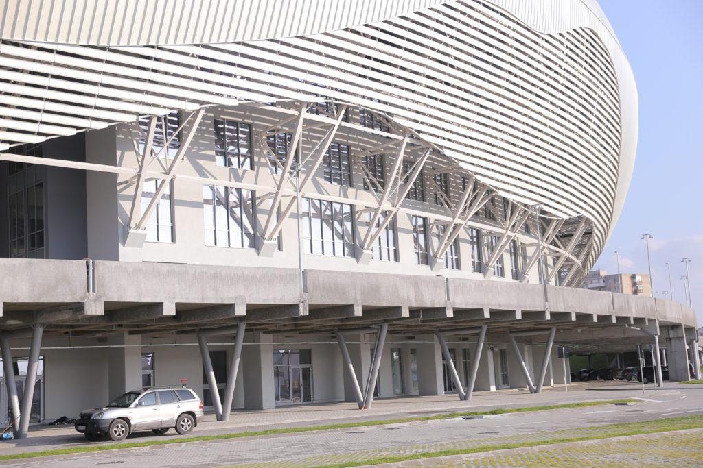 """Stadionul """"Ion Oblemenco"""" din Craiova dispune de un hotel pe patru nivele şi un restaurant"""