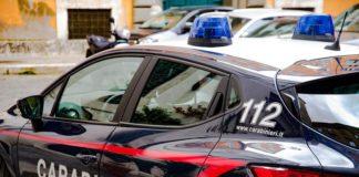 Un român care dormea într-o gară din Italia, bătut cu bestialitate