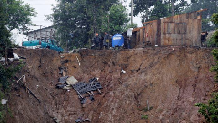 Şapte oameni au murit într-o alunecare de teren în Mexic