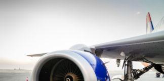 Panică în aer. Motorul unei aeronave s-a defectat