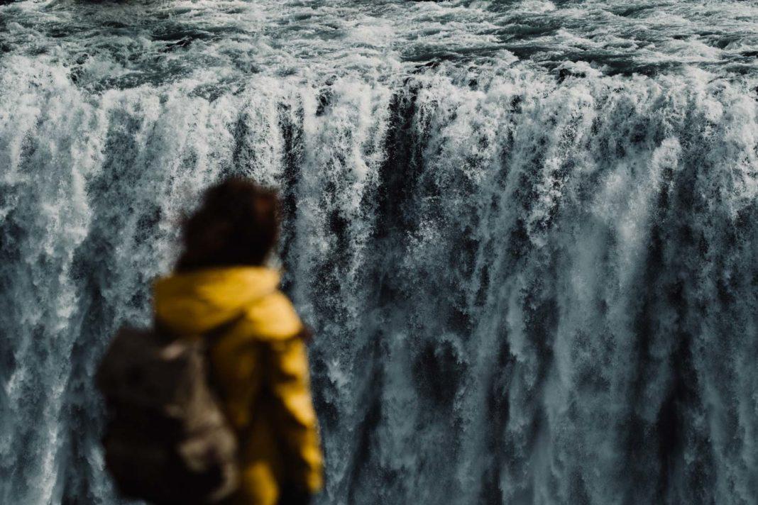 Peisaj mitologic în Parcul Vatnajokul din Islanda
