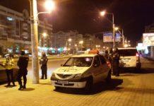 Procurorii doljeni a reţinut că minorul de 17 ani a condus fără permis și a lovit cu mașina o poliţistă care încerca să-l oprească