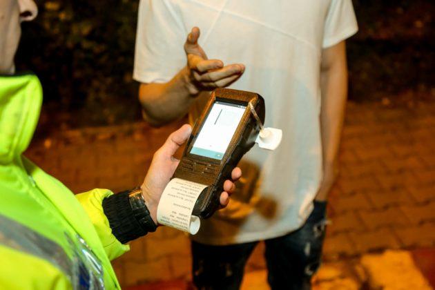 Șofer sub influența substanțelor psihoactive, depistat de polițiști