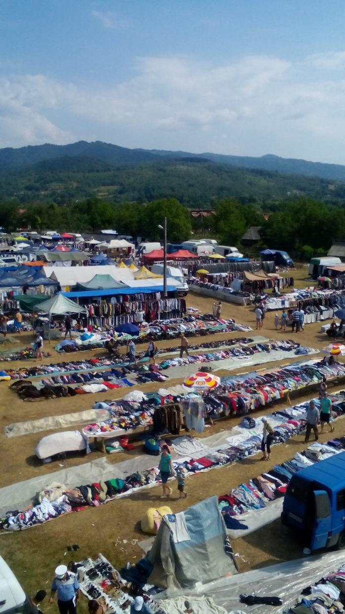 Târgul reunește peste 600 de comercianți de produse tradiționale și netradiționale