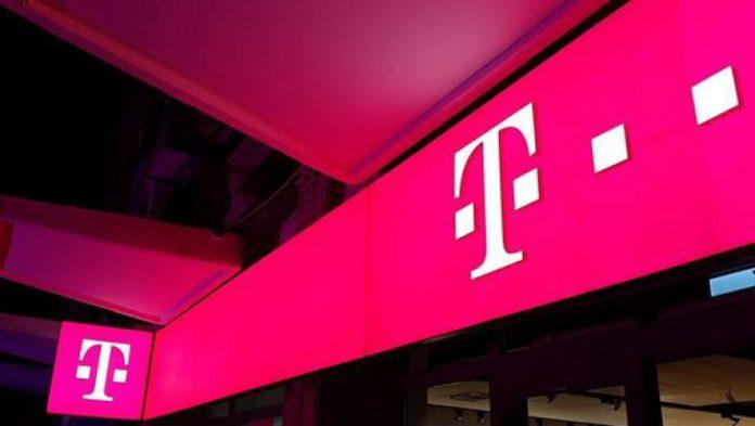Telekom România a câștigat controversata licitație de peste 165 milioane de lei pentru platforma națională de internet wireless în școli