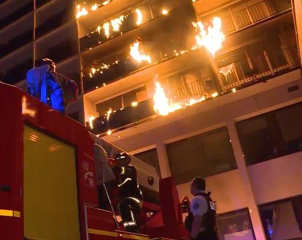 Un mort şi opt răniţi într-un incendiu la un spital