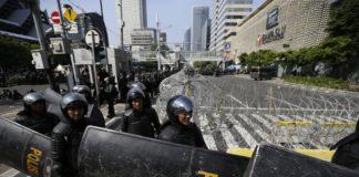 Indonezia blochează internetul în Papua pentru a reduce protestele violente
