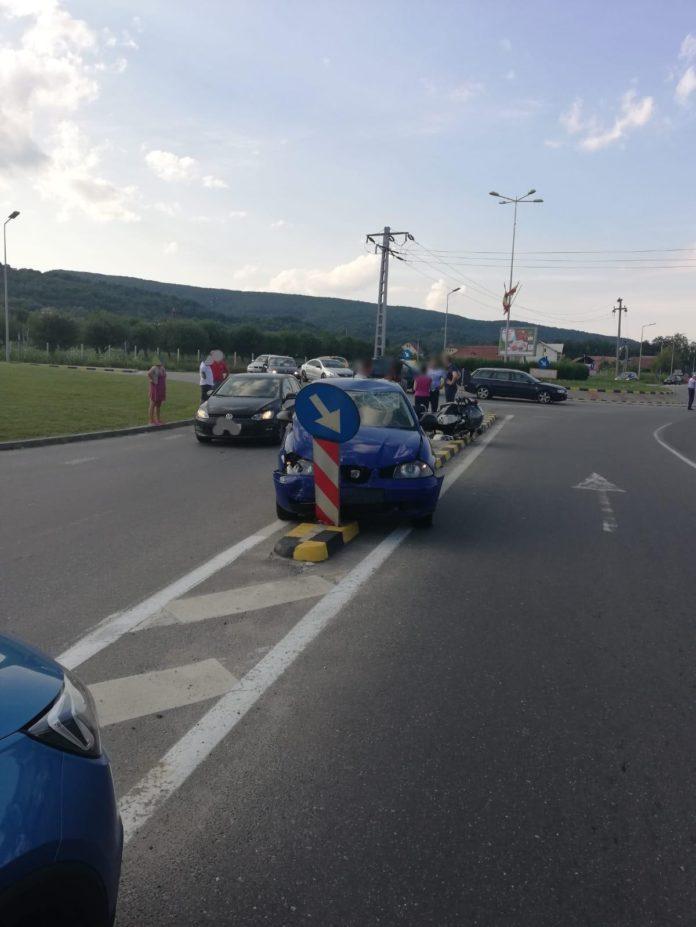 Un poliţist în misiune a fost accidentat de un şofer neatent